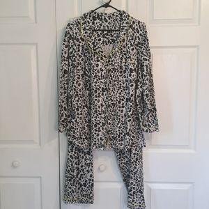 Cacique 100% cotton animal print soft pajamas